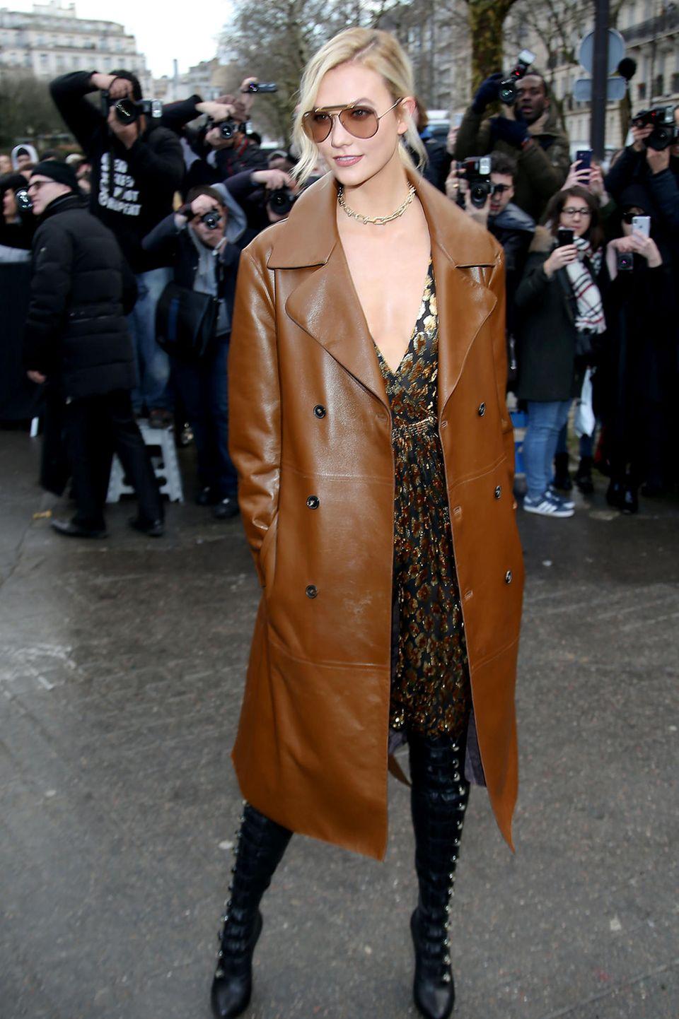 Auch Topmodel Karlie Kloss will die Valentino-Show auf keinen Fall verpassen.