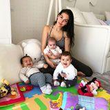 2. Februar 2018  Ob Cristiano Ronaldo die ganze Fußballmannschaft voll macht? Der Fußballstar hat bereits vier Kinder: Neben Cristiano Jr. die Zwillinge Eva und Mateo und die kleine Alana, die es sich gerade in Mamas Schoß bequem macht.