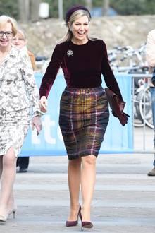 Nicht nur Königin Máximas Styles sorgen immer für gute Laune, das Lachen der beliebten Königin ist einfach ansteckend. Lachen macht offensichtlich nicht nur glücklich, sondern auch schön. Diese Ausstrahlung ist einfach unbezahlbar.