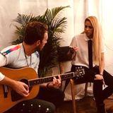 Popstar Shakira gratuliert mit ihrem Post Coldplay-Frontmann Chris Martin zum Geburtstag und dankt ihm dafür, dass er immer für sie da war, wenn sie ihn brauchte.