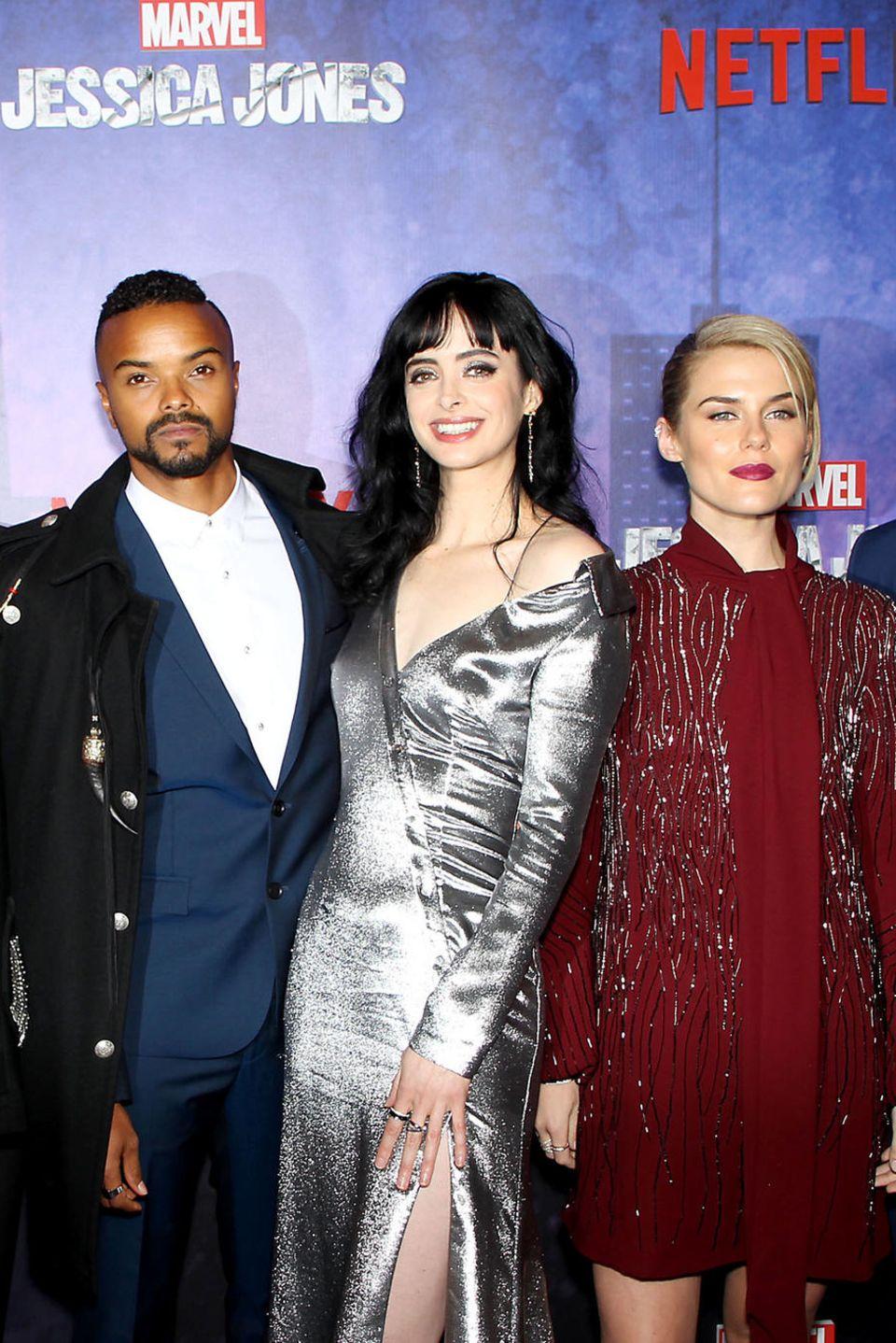 7. März 2018   Premiere in New York findet die Premiere von Marvel's Jessica Jones Staffel 2statt: Der Cast um Hauptdarstellerin Krysten Ritter (3. v. r.) strahlt auf dem roten Teppich.