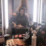 """Bereits acht Stunden bevor ihre erste """"Let's Dance""""-Folge auf Sendung geht, sitzt Victoria Swarovski in der Maske und lässt sich schminken sowie frisieren."""