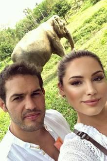 10. März 2018   Kelly Brook und Freund Jeremy Parisi sind begeistert von Thailand - besonders von den Elefanten.