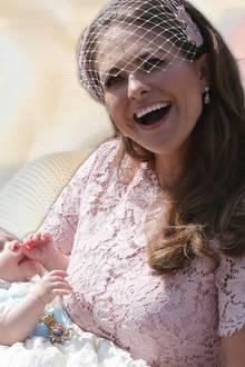 Prinzessin Adrienne wird das Taufkleid tragen, in dem vor ihr bereits Prinzessin Leonore ihren großen Auftritt hatte.