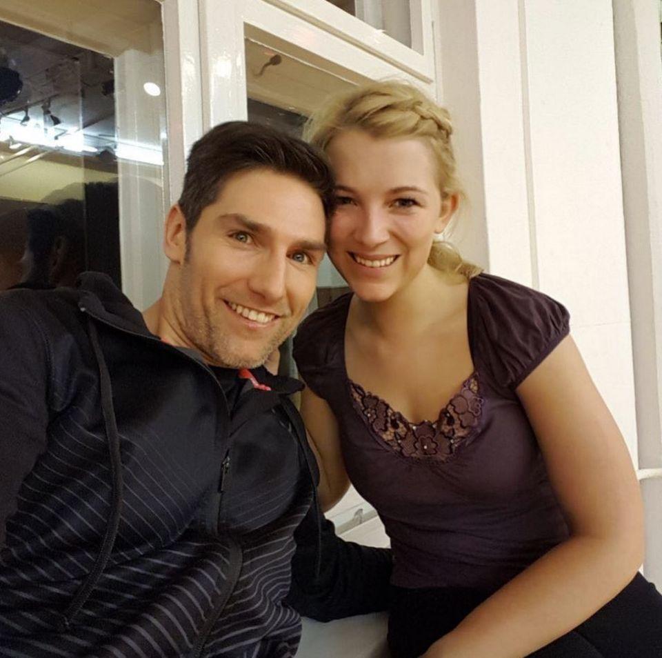 Der erste Trainingstag bei Iris Mareike Steen und ihrem Tanzpartner Christian Polanc ist vorbei und Iris ist ganz angetan von ihrem Trainer Christian.