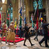 Viele Flaggen schreiten durch die Westminster Abbey: Die Commonwealth-Verbindung zählt heute 53 Staaten als Mitglieder.