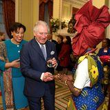 Commonwealth Generalsekretärin Patricia Janet Scotland (li.) und Prinz Charles begrüßen Gäste.