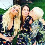Jessica Simpson postet diesen Schnappschuss mit Mutter Tina und ihrer Schwester Ashlee Simpson.