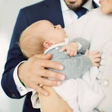 Nummer 6  Gabriel Carl Waltherist der zweite Sohn von Prinz Carl Philip und seiner Frau Sofia. Er kam am 31. August 2017 auf die Welt.