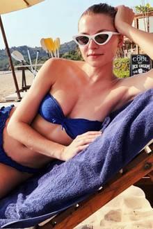 Topmodel Lena Gercke sendet via Instagram sonnige Urlaubsgrüße aus Thailand und macht uns mit diesem Bikini-Schnappschuss neidisch. Dank des trägerlosen Oberteils braucht sie sich zudem keine Gedanken über Bräunungsstreifen auf den Schultern machen.