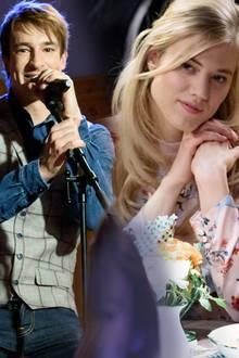 Viktor Saalfeld (Sebastian Fischer) becirct mit seinem Gesang Alicia Lindbergh (Larissa Marolt)