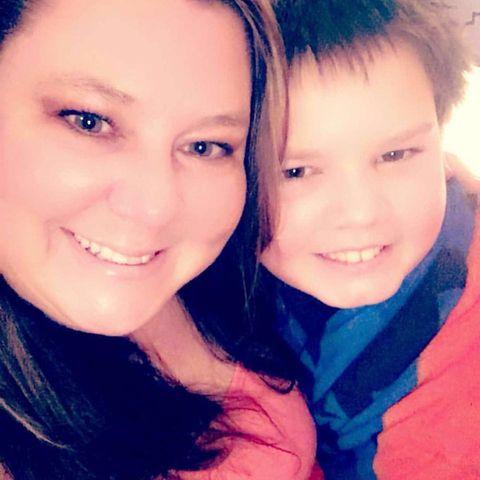 Dieses Foto zeigt Cheryl Hudson und ihren Sohn Andy.