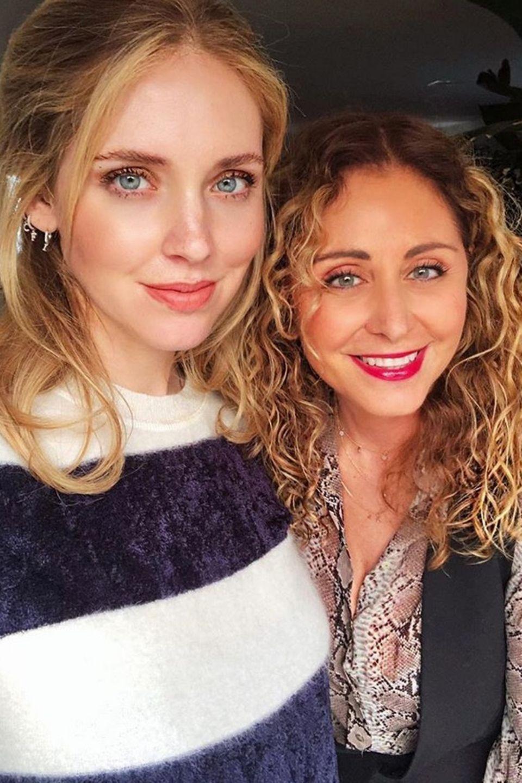 Marina Diguardo, die Mutter der Star-Bloggerin Chiara Ferragni ist in Los Angeles zu Gast. Da muss natürlich ein Bild für die Instagram-Fans geschossen werden.
