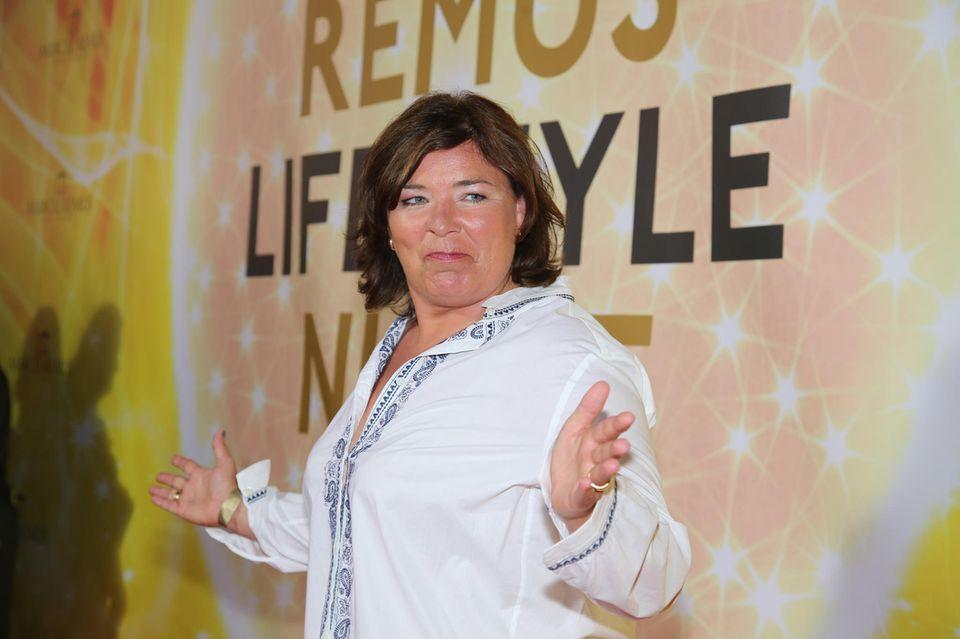 """Trashig ging es dann auch weiter für Vera: Die von ihr moderierte RTL-Sendung """"Schwiegertochter gesucht"""" gehört zu den absoluten Kultshows im Fernsehen."""