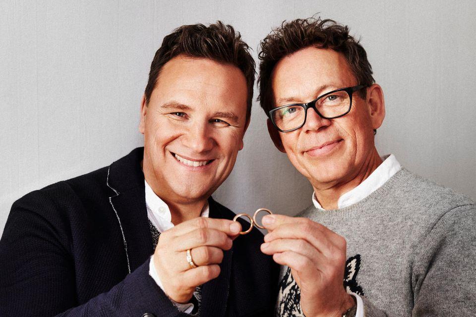 Die richtigen Ringe fanden Guido Maria Kretschmer und sein Frank bei Christ Juweliere. Seit 2016 ist der Star-Designer Testimonial für den Trauring-Spezialisten