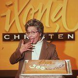 Ilona Christen war die zweite Talkerin in Deutschland. Besonders ihre ausgefallenen, farbenfrohen Brillen dürften in Erinnerung geblieben sein. Ihre gleichnamige Talkshow wurde von 1993 bis 1999 über RTL ausgestrahlt.