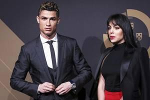 Christiano Ronaldo +Georgina Rodriguez