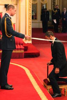 20. März 2018  Besondere Ehre für den Ex-Beatle. Ringo Starr wird im Buckingham-Palast von Prinz William zum Ritter geschlagen.