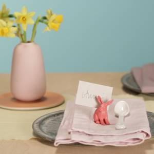 Perfekt für den Osterbrunch: Ganz einfach: Tischkartenhalter für Ostern selber machen