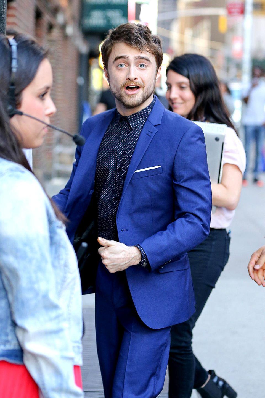 """Daniel Radcliffe: 16 Jahre alt  Er sagte, er verlor seine Jungfräulichkeit an eine viel ältere Frau. Die Dame wurde später von """"Us Weekly"""" als seine Exfreundin Amy Byrne identifiziert – sie war damals 23 Jahre alt."""