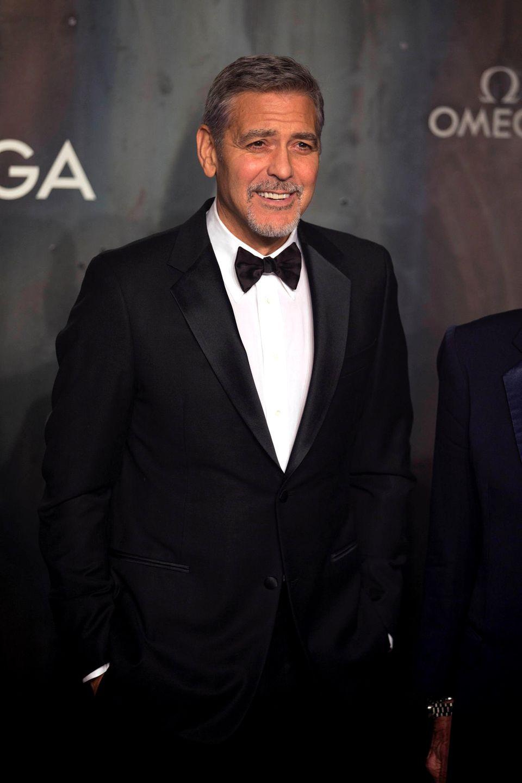 """George Clooney: 16 Jahre alt  Er verlor seine Unschuld """"jung, sehr jung, viel zu jung"""", verriet der Schauspieler dem """"Rolling Stone""""."""