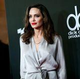 Angelina Jolie: 14 Jahre alt  Nach dem ersten Sex waren die Emotionen ihrem Geschmack nach nicht stark genug. Um ihrem Partner näher zu sein, so Angelina Jolie, habe sie sich ein Messer geschnappt und ihn geschnitten.