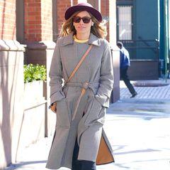 Während Ehemann Justin Timberlake auf großer Tour ist, genießt Jessica Biel einen Spaziergang durch das sonnige New York. Mit Hut, Sonnenbrille und lässigem Mantel ist die Schauspielerin kaum zu erkennen.