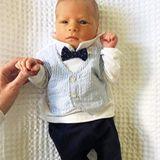 Leoncino im Sonntagslook: Der sechs Tage alte Sohn von Bloggerin Chiara Ferragni ist schon jetzt ein echt stylischer Junge. In Stoffhose, Hemd, Weste und Fliege macht er eine richtig gute Figur. Aber auch lässig kann Leo ...