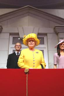 """Das Wachsfigurenkabinett """"Madame Tussauds"""" in London zeigt die Royals für Fans zum Greifen nahe. Der Kern der königlichen Familie präsentiert sich frisch herausgeputzt mit Blick auf den Frühling in der britischen Hauptstadt."""
