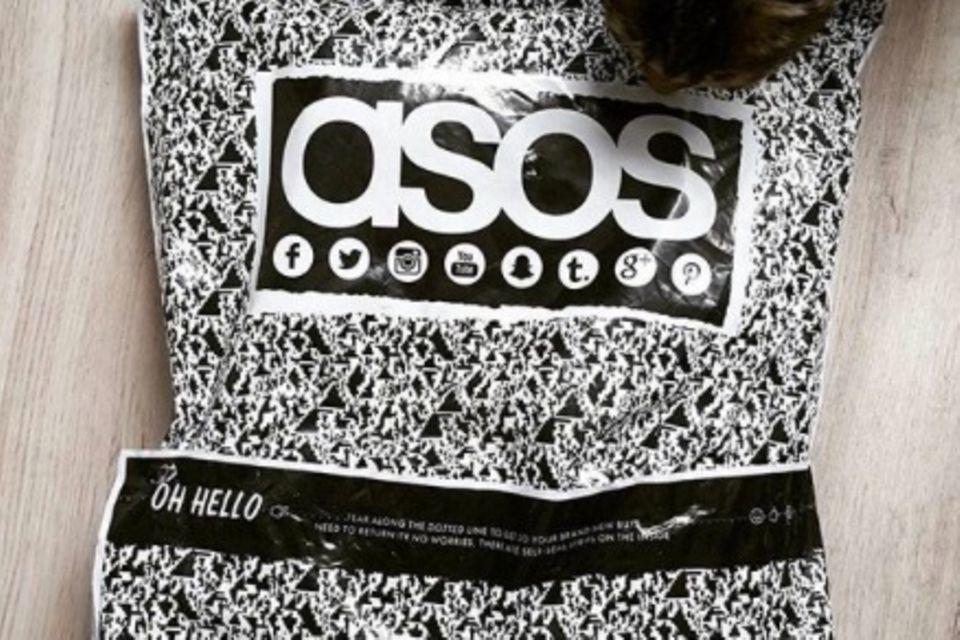 ASOS hat sich offensichtlich im Text geirrt - und die Twitter-User finden es super lustig.