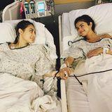 Wahre Freundschaft: Die an Lupus erkrankte Selena Gomez (r.) braucht eine Spenderniere und erhält diese von ihrer FreundinFrancia Raisa.