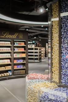 Von Schokolade bis Feinkost - im Luxus-Edeka gibt es alles, was das Herz begehrt.