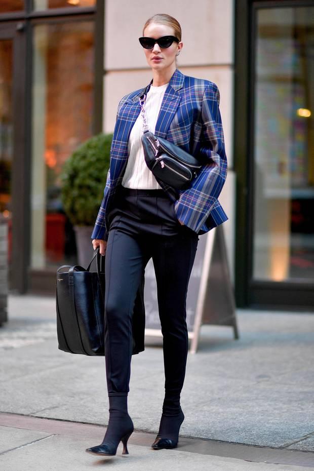Fashion-Looks  Der Style von Rosie Huntington-Whiteley - S. 25   GALA.de 68f0aae353