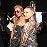"""Dass Paris Hilton und Fergie sich so sehr mögen, mag vielleicht überraschen: Fakt ist, dass Paris zum Geburtstag des """"The Black Eyed Peas""""-Stars acht Fotos von gemeinsamen Aufeinandertreffen gepostet hat, mit den liebevollen Worten: """"Happy Birthday Fergie! Liebe dich Schönheit! So viele spaßige Erinnerungen über die Jahre! Sende dir viel Liebe an deinem besonderen Tag!"""""""