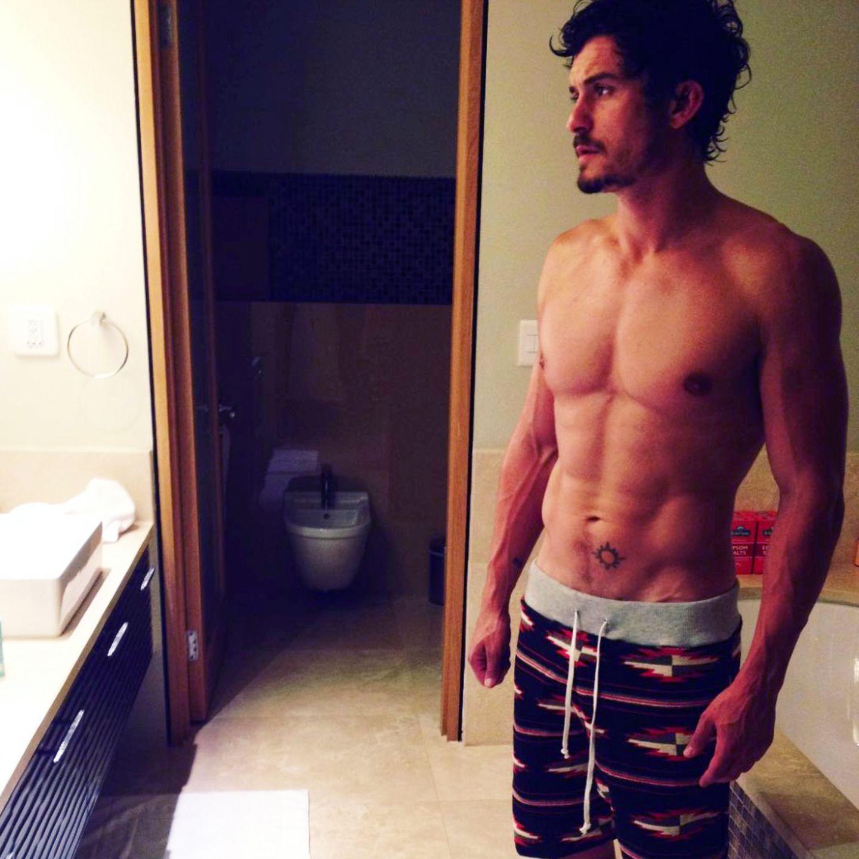 Bei diesem Anblick dürfte das ein oder andere Fan-Herz höher schlagen. Hollywoodstar Orlando Bloom präsentiert auf Instagram mit diesem Schnappschuss seinen durchtrainierten Oberkörper.
