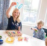 Mit ihrem süßen Sohn Tennessee bereitet sich Reese Witherspoon auf eine fröhliche Osterzeit vor.