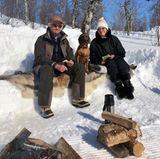 Royale Ostergrüße aus Schweden: König Carl Gustaf und Königin Silvia nutzen die Freizeit zum Wandern.