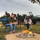 Die schwangere Motsi Mabuse und ihr MannEvgenij Voznyuk genießen den letzten Osterurlaub zu zweit in Südafrika. Dort ist die Tänzerin geboren. Ganz alleine sind die beiden aber dann doch nicht: Man trifft sich mit der Familie, wie Motsi weiter verrät.
