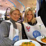 Die Pahde-Zwillinge Cheyenne und Valentina haben es sich in einem Fisch-Restaurant gemütlich gemacht und wünschen ihren Fans schöne Ostertage.