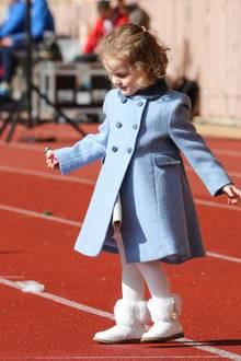 Auch die kleine Prinzessin Gabriella zeigt Interesse am Rugby-Sport.