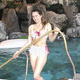 """Hot Mama"" Cathy Hummels sendet Ostergrüße aus dem Schwimmbad."