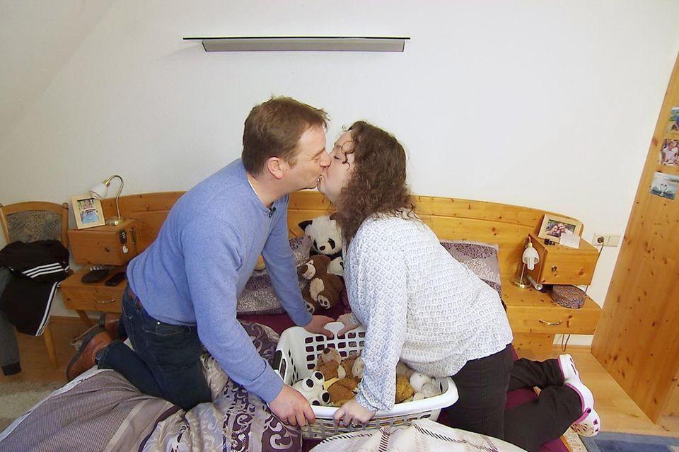 Benny und Nadine wollen heiraten und eine Familie gründen