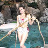 """""""Happy Easter from Hot Mama PS: ich weiß ich brauche dringend ein bisschen Sonne"""", schreibt Cathy Hummels unter ihr Bikini-Foto. Von den Babypfunden fehlt inzwischen jede Spur. Die frisch gebackene Mutter sieht einfach toll aus (und der frische Babyglow steht ihr auch!)."""