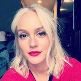 """Plötzlich blond - und wie! Leighton Meester trug in den vergangenen Jahren eine brünette Haarpracht, mal heller, mal dunkler. Doch damit ist jetzt Schluss. In einem siebenstündigen Prozess wurde der """"Gossip Girl""""-Star zur Blondine, verrät sie auf Instagram."""