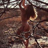 """Natur pur! Das dachte sich auch """"Victoria's Secret""""-Model (und Ex-Freundin von Leonardo DiCaprio) Nina Agdal und entblößte sich gleich komplett. Ihre sexy Kurven postet sie direkt auf Instagram und bekommt dafür natürlich sehr viel Zuspruch. Was Leo wohl dazu sagt?"""