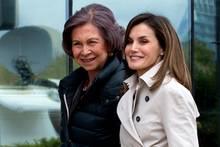 Königin Letizia von Spanien und Sofia strahlen wieder.