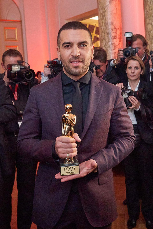 7. April 2018  Herzlichen Glückwunsch! Bei der Romy-Verleihung in der Wiener Hofburg wurde Elyas M'Barek als Beliebtester Schauspieler ausgezeichnet. Kein Wunder, dass er das Lieblingsmotiv der Fotografen ist.