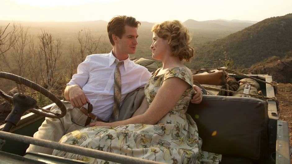 """Andrew Garfield und Claire Foy in """"Solange ich atme"""""""
