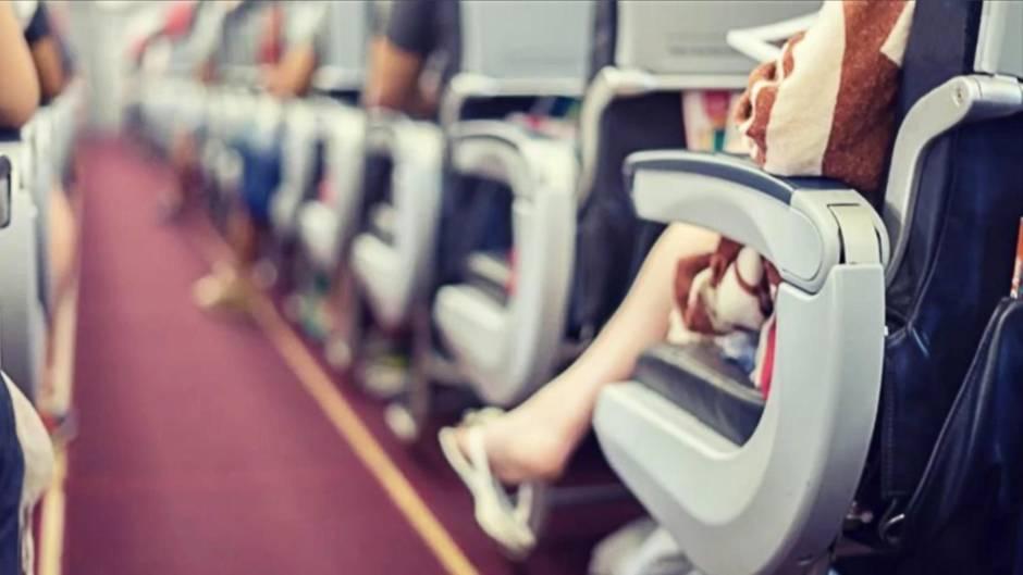 Ekel-Alarm: Diese Dinge sollte Sie im Flugzeug niemals anfassen