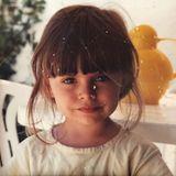 Sophia Thomalla  Schon als kleines Mädchen ist Sophia Thomalla stylisch mit Fransenpony unterwegs.
